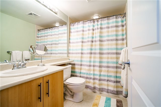 Condo Townhouse at 93 The Queensway Ave W, Unit Th25, Toronto, Ontario. Image 3