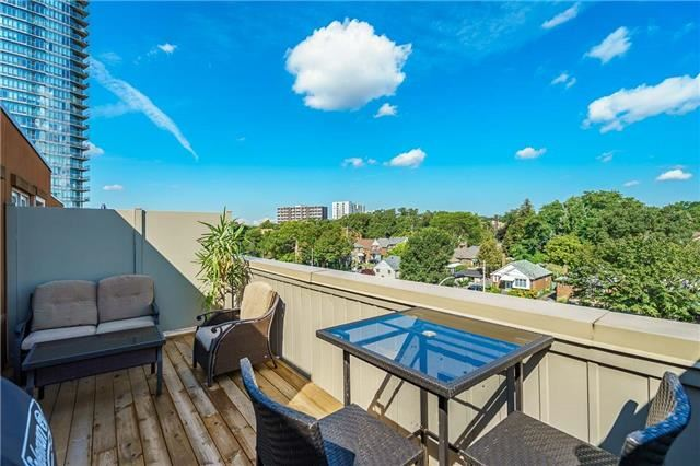 Condo Townhouse at 93 The Queensway Ave W, Unit Th25, Toronto, Ontario. Image 5