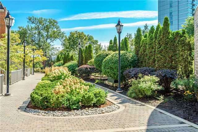 Condo Townhouse at 93 The Queensway Ave W, Unit Th25, Toronto, Ontario. Image 7