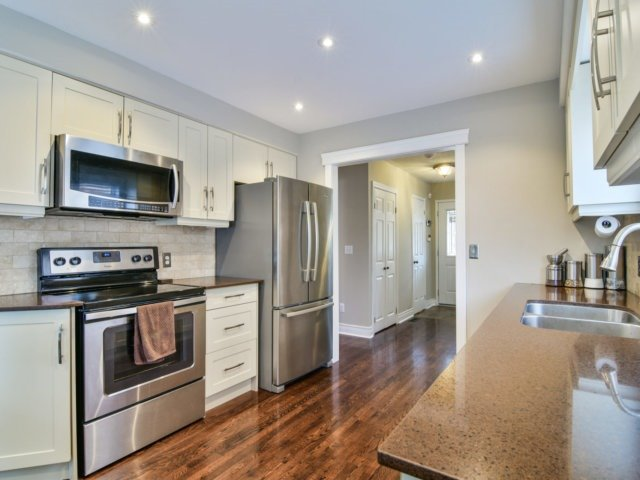 Detached at 5587 Brenchley Ave, Mississauga, Ontario. Image 19