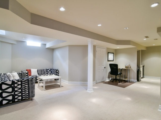 Detached at 5587 Brenchley Ave, Mississauga, Ontario. Image 7