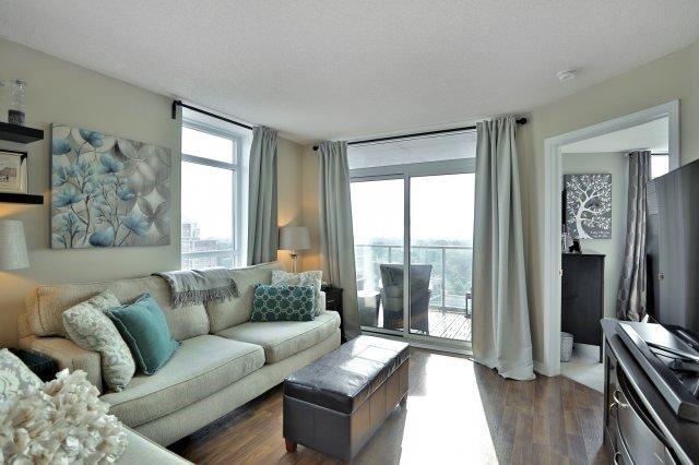 Condo Apartment at 9 George St N, Unit 1405, Brampton, Ontario. Image 13