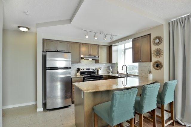 Condo Apartment at 9 George St N, Unit 1405, Brampton, Ontario. Image 15