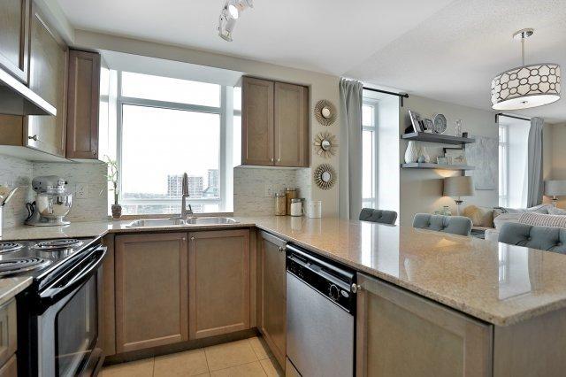 Condo Apartment at 9 George St N, Unit 1405, Brampton, Ontario. Image 16