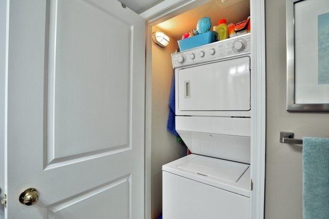 Condo Apartment at 9 George St N, Unit 1405, Brampton, Ontario. Image 4