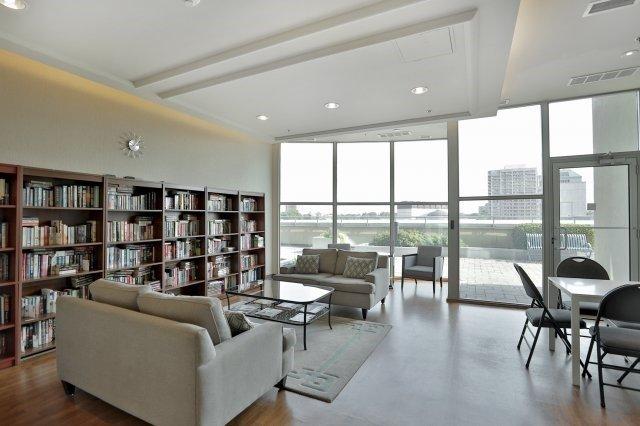 Condo Apartment at 9 George St N, Unit 1405, Brampton, Ontario. Image 8