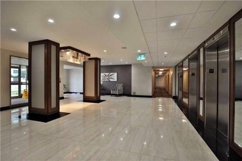 Condo Apartment at 350 Rathburn Rd, Unit 1702, Mississauga, Ontario. Image 9