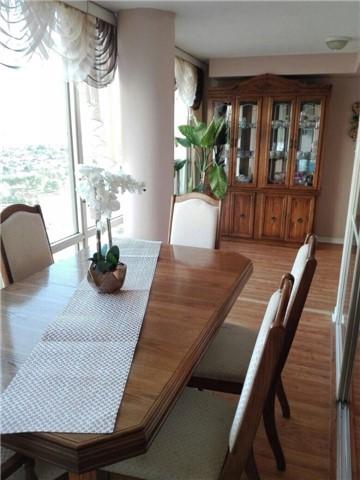 Condo Apartment at 350 Rathburn Rd, Unit 1702, Mississauga, Ontario. Image 10