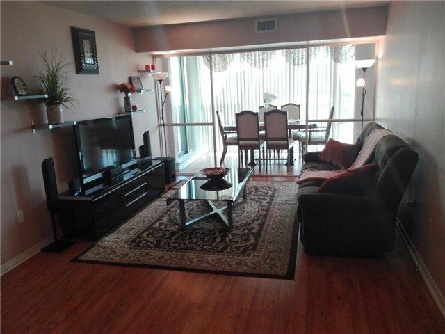 Condo Apartment at 350 Rathburn Rd, Unit 1702, Mississauga, Ontario. Image 11