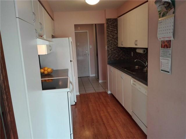 Condo Apartment at 350 Rathburn Rd, Unit 1702, Mississauga, Ontario. Image 14