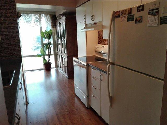 Condo Apartment at 350 Rathburn Rd, Unit 1702, Mississauga, Ontario. Image 15