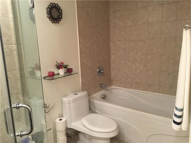 Condo Apartment at 350 Rathburn Rd, Unit 1702, Mississauga, Ontario. Image 2