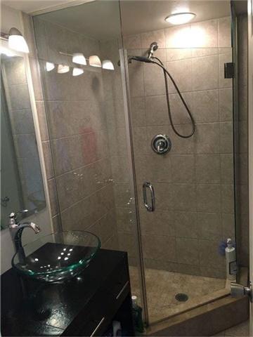 Condo Apartment at 350 Rathburn Rd, Unit 1702, Mississauga, Ontario. Image 3