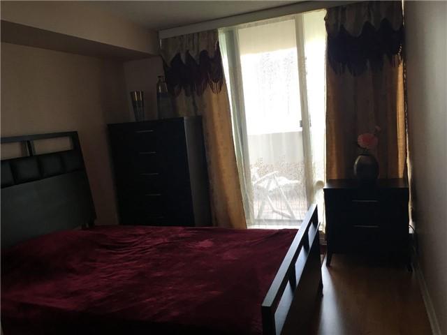 Condo Apartment at 350 Rathburn Rd, Unit 1702, Mississauga, Ontario. Image 4