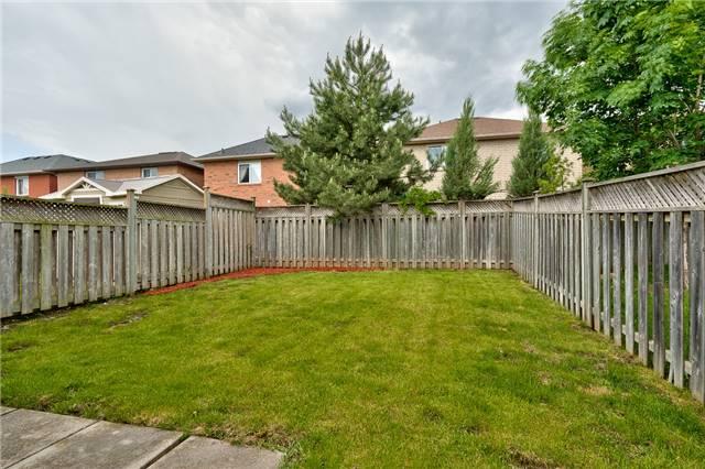 Semi-detached at 2153 Shady Glen Rd, Oakville, Ontario. Image 11