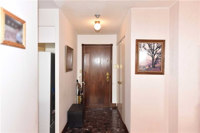 Condo Apartment at 1320 Islington Ave, Unit 604, Toronto, Ontario. Image 12