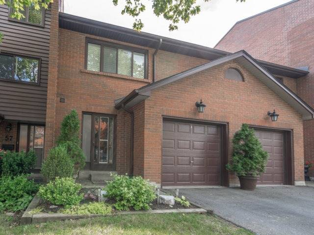 Condo Townhouse at 4165 Fieldgate Dr, Unit 56, Mississauga, Ontario. Image 1