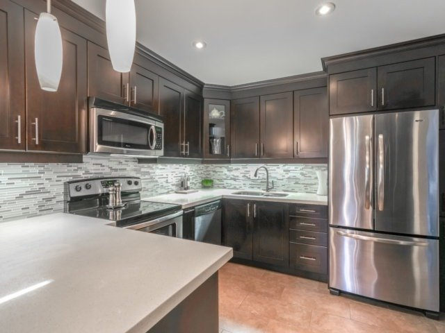 Condo Townhouse at 4165 Fieldgate Dr, Unit 56, Mississauga, Ontario. Image 2