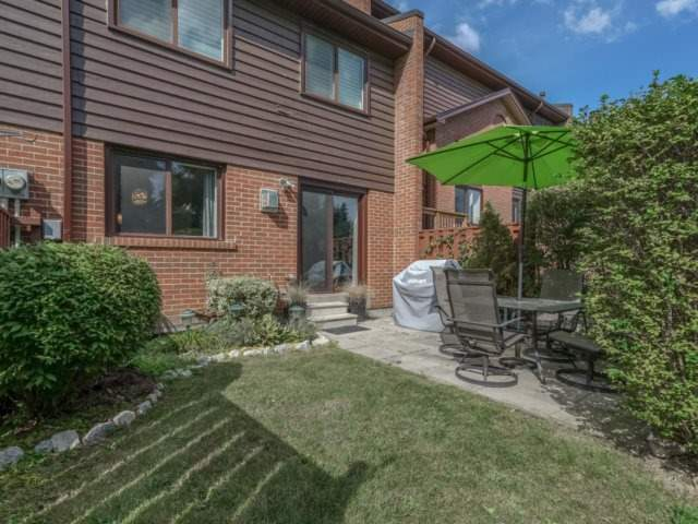 Condo Townhouse at 4165 Fieldgate Dr, Unit 56, Mississauga, Ontario. Image 11