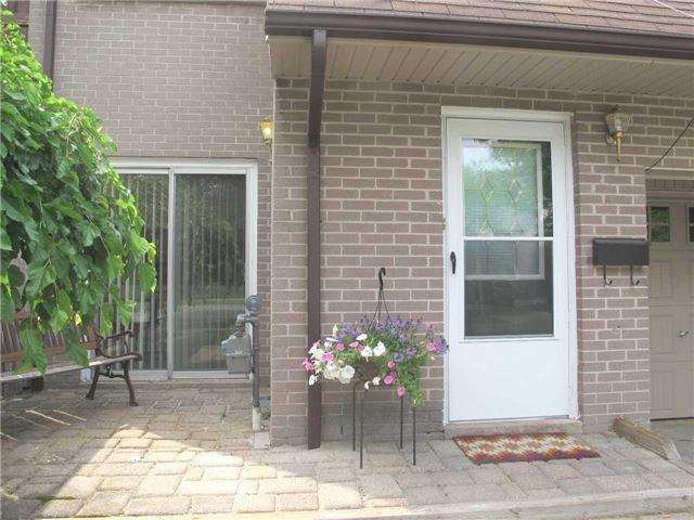 Townhouse at 2603 Inlake Crt, Mississauga, Ontario. Image 8