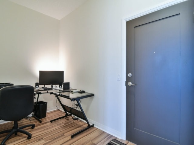 Condo Apartment at 55 Eglinton Ave, Unit 303, Mississauga, Ontario. Image 15