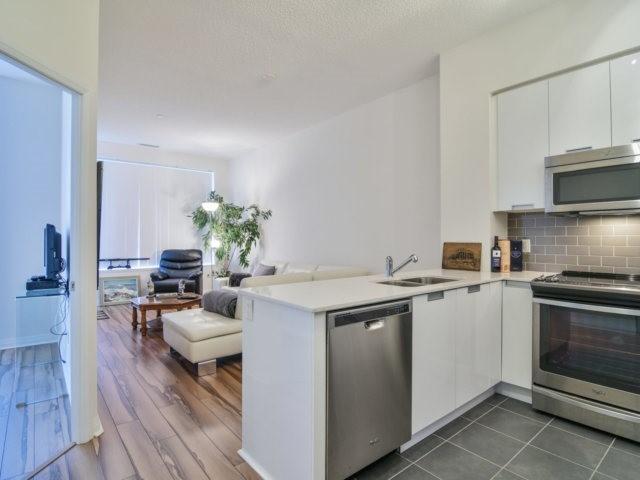 Condo Apartment at 55 Eglinton Ave, Unit 303, Mississauga, Ontario. Image 16