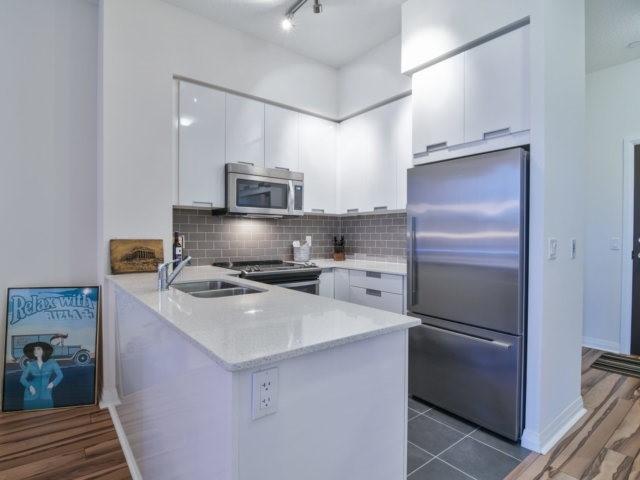 Condo Apartment at 55 Eglinton Ave, Unit 303, Mississauga, Ontario. Image 17