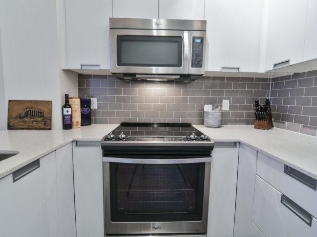 Condo Apartment at 55 Eglinton Ave, Unit 303, Mississauga, Ontario. Image 20