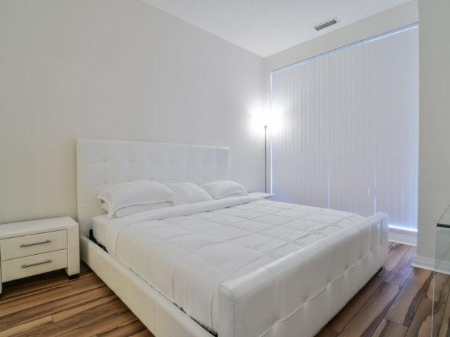 Condo Apartment at 55 Eglinton Ave, Unit 303, Mississauga, Ontario. Image 6