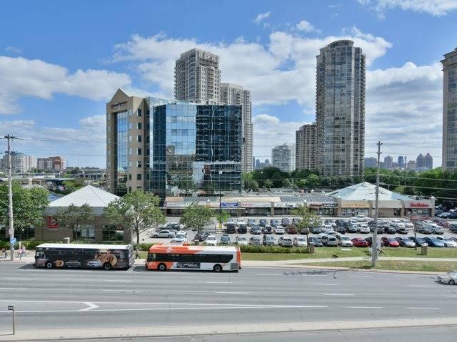 Condo Apartment at 55 Eglinton Ave, Unit 303, Mississauga, Ontario. Image 13
