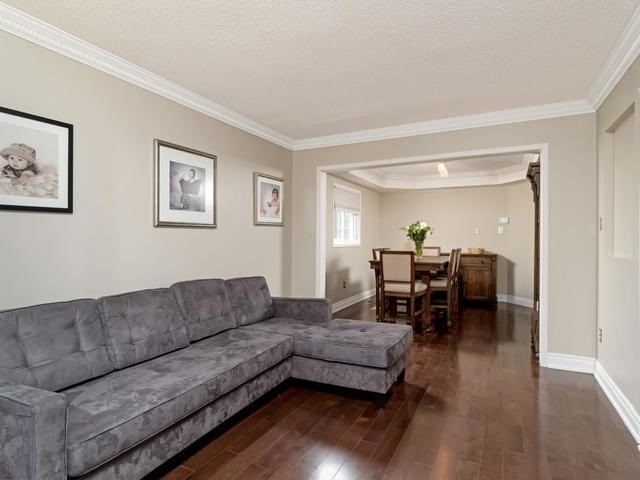 Detached at 5386 Mcfarren Blvd, Mississauga, Ontario. Image 13