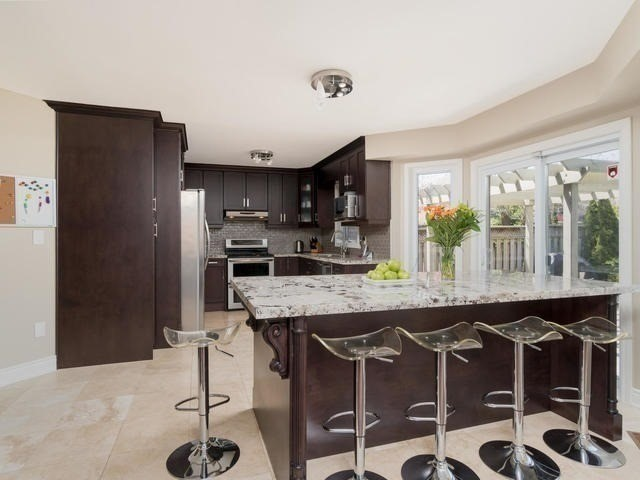 Detached at 5386 Mcfarren Blvd, Mississauga, Ontario. Image 16