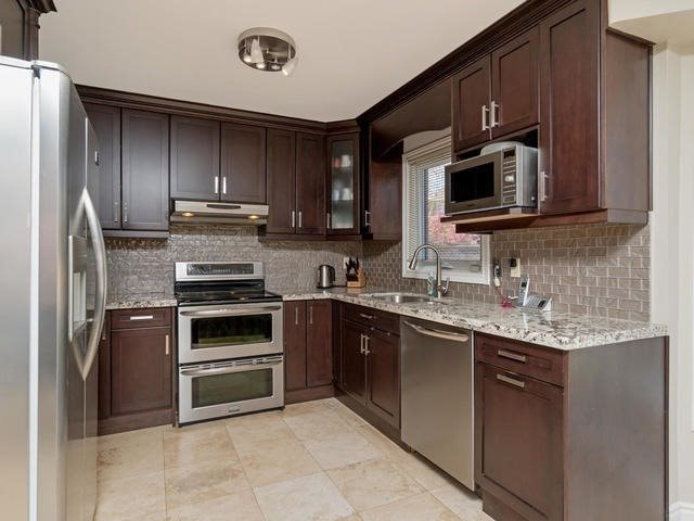 Detached at 5386 Mcfarren Blvd, Mississauga, Ontario. Image 17