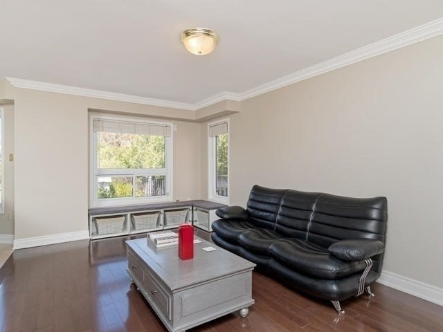 Detached at 5386 Mcfarren Blvd, Mississauga, Ontario. Image 18