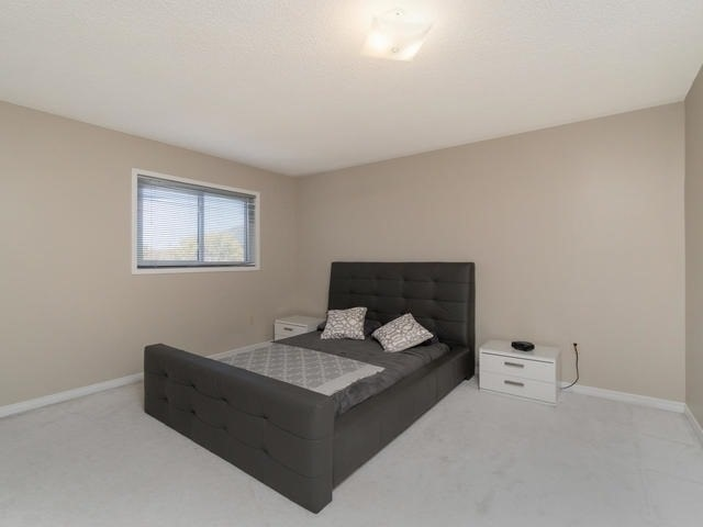 Detached at 5386 Mcfarren Blvd, Mississauga, Ontario. Image 6