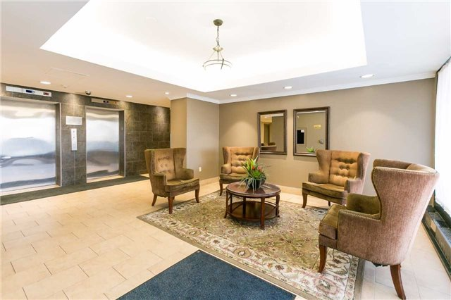 Condo Apartment at 2900 Battleford Rd, Unit 803, Mississauga, Ontario. Image 14
