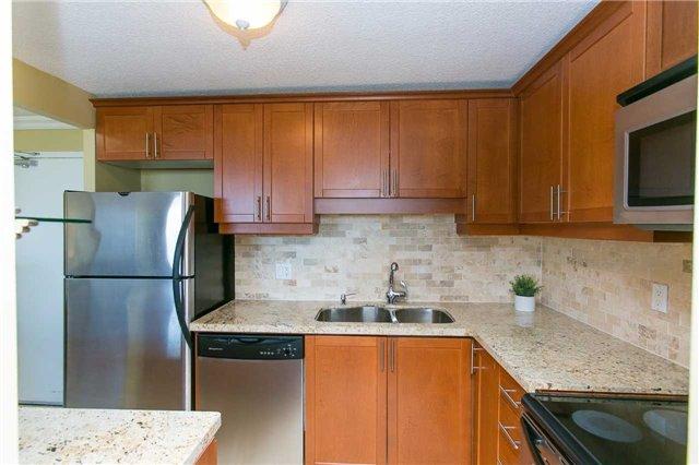 Condo Apartment at 2900 Battleford Rd, Unit 803, Mississauga, Ontario. Image 16