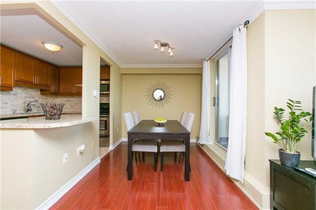 Condo Apartment at 2900 Battleford Rd, Unit 803, Mississauga, Ontario. Image 17