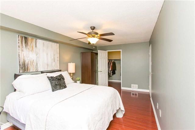 Condo Apartment at 2900 Battleford Rd, Unit 803, Mississauga, Ontario. Image 6