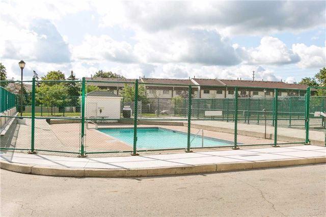 Condo Apartment at 2900 Battleford Rd, Unit 803, Mississauga, Ontario. Image 10