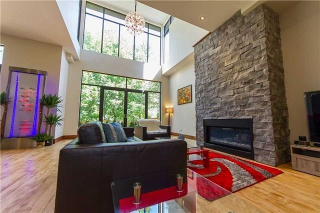 Detached at 658 Byngmount Ave, Mississauga, Ontario. Image 14
