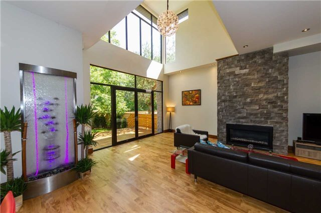 Detached at 658 Byngmount Ave, Mississauga, Ontario. Image 17