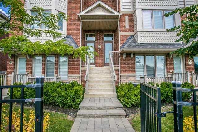 Condo Townhouse at 3335 Thomas St, Unit 16, Mississauga, Ontario. Image 1