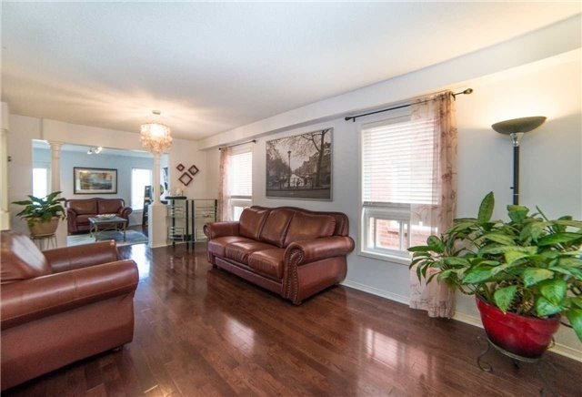 Semi-detached at 8 Capistro St, Brampton, Ontario. Image 1