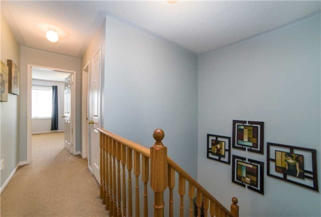 Semi-detached at 8 Capistro St, Brampton, Ontario. Image 19