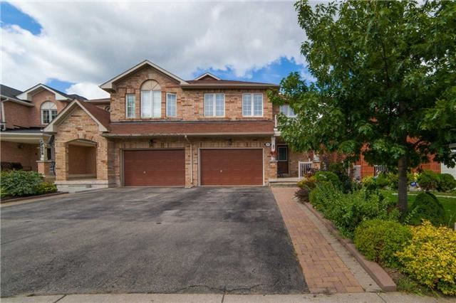 Semi-detached at 8 Capistro St, Brampton, Ontario. Image 11