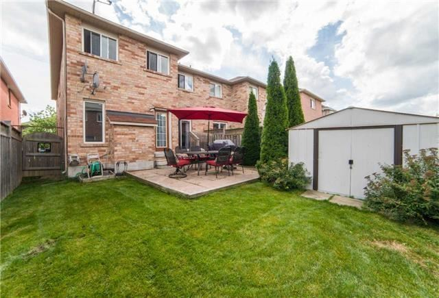 Semi-detached at 8 Capistro St, Brampton, Ontario. Image 13