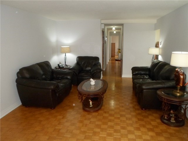 Condo Apartment at 511 The West Mall, Unit 512, Toronto, Ontario. Image 17