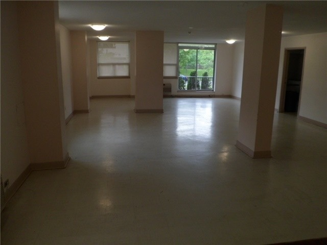 Condo Apartment at 511 The West Mall, Unit 512, Toronto, Ontario. Image 7