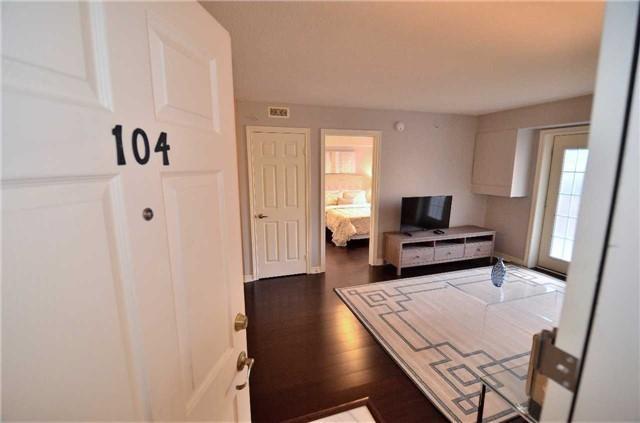 Condo Apartment at 1450 Bishops Gate, Unit 104, Oakville, Ontario. Image 1